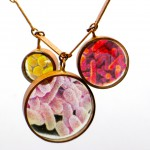 Resin pendant Gold Finger Barcelona